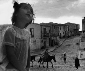 Sergio Larrain, Main street in Corleone. Sicily 1959